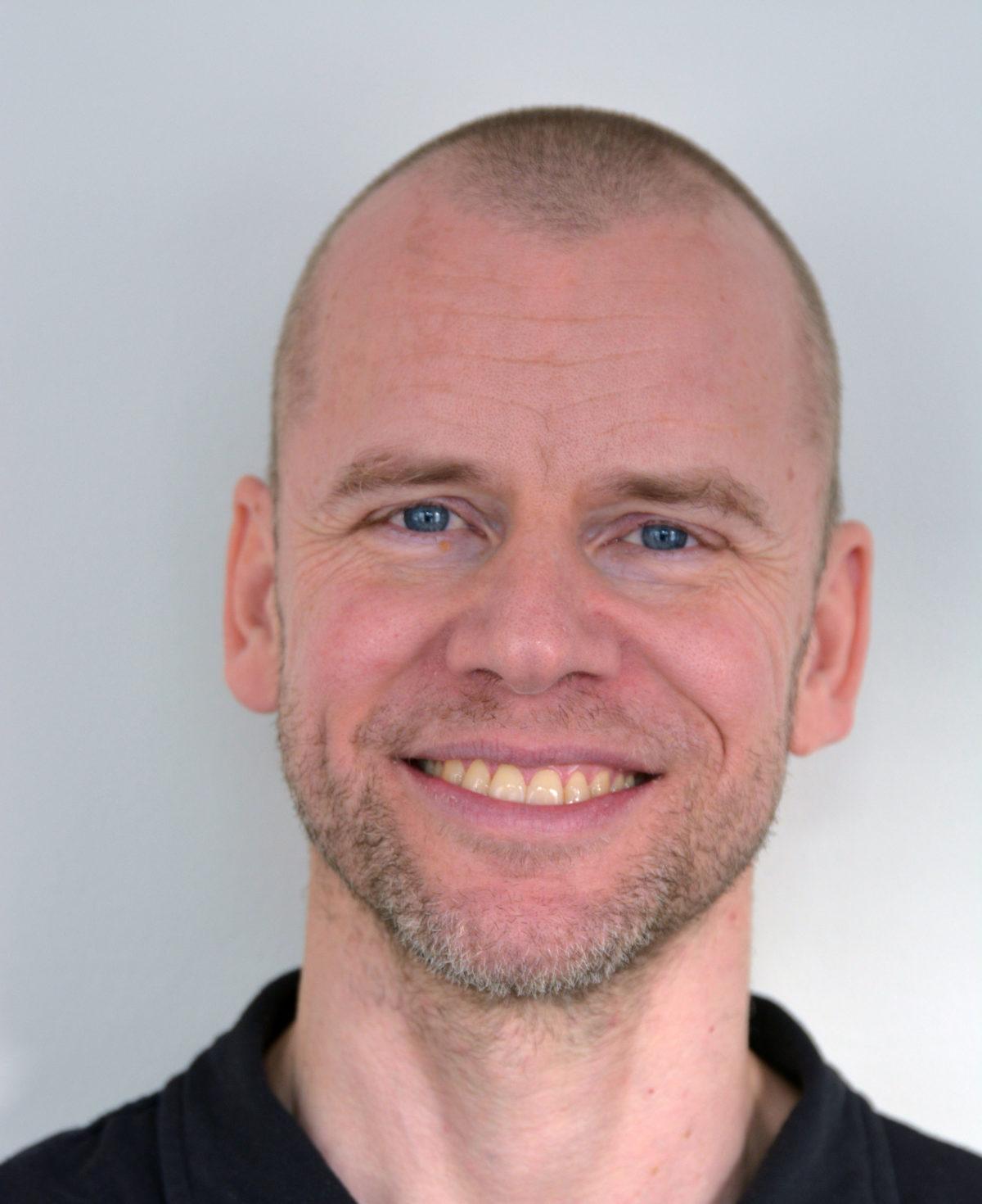 PRESSMEDDELANDE: Richard Sahlin vinner mot Sverige i FN
