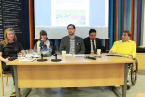 Panel med fem föreläsare