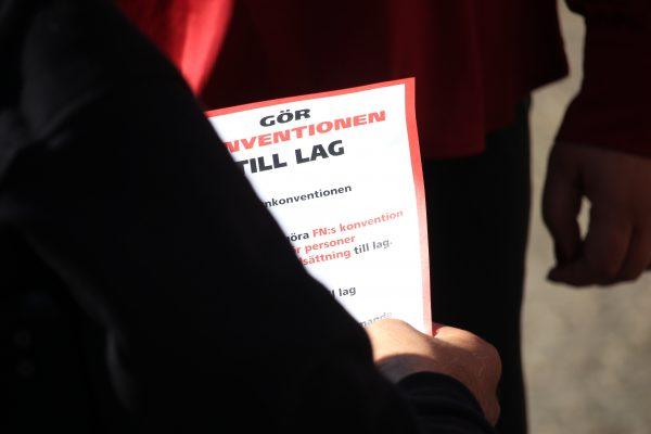 NYHETSBREV: September 2019 – Funktionshinderrörelsen inleder torsdagsaktion för att göra konventionen till lag