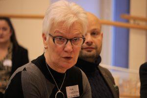 Närbild på Förste vice talman Åsa Lindestam när hon möter Ge makten vidare i Uppsala.