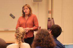 Från seminariet Var finns tänderna? 9 december 2019. Annika Jyrwall Åkerberg talar.
