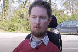 Miro Griffiths. En bild fryst från en intervju med honom som ligger på Youtube.