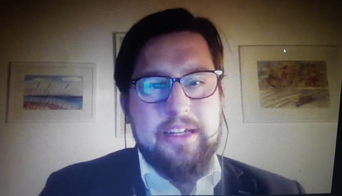 Ola Linder från ett webbinarium om tolktjänst, mars -21.
