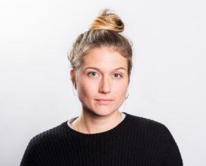 Närbild på Julia Henriksson.