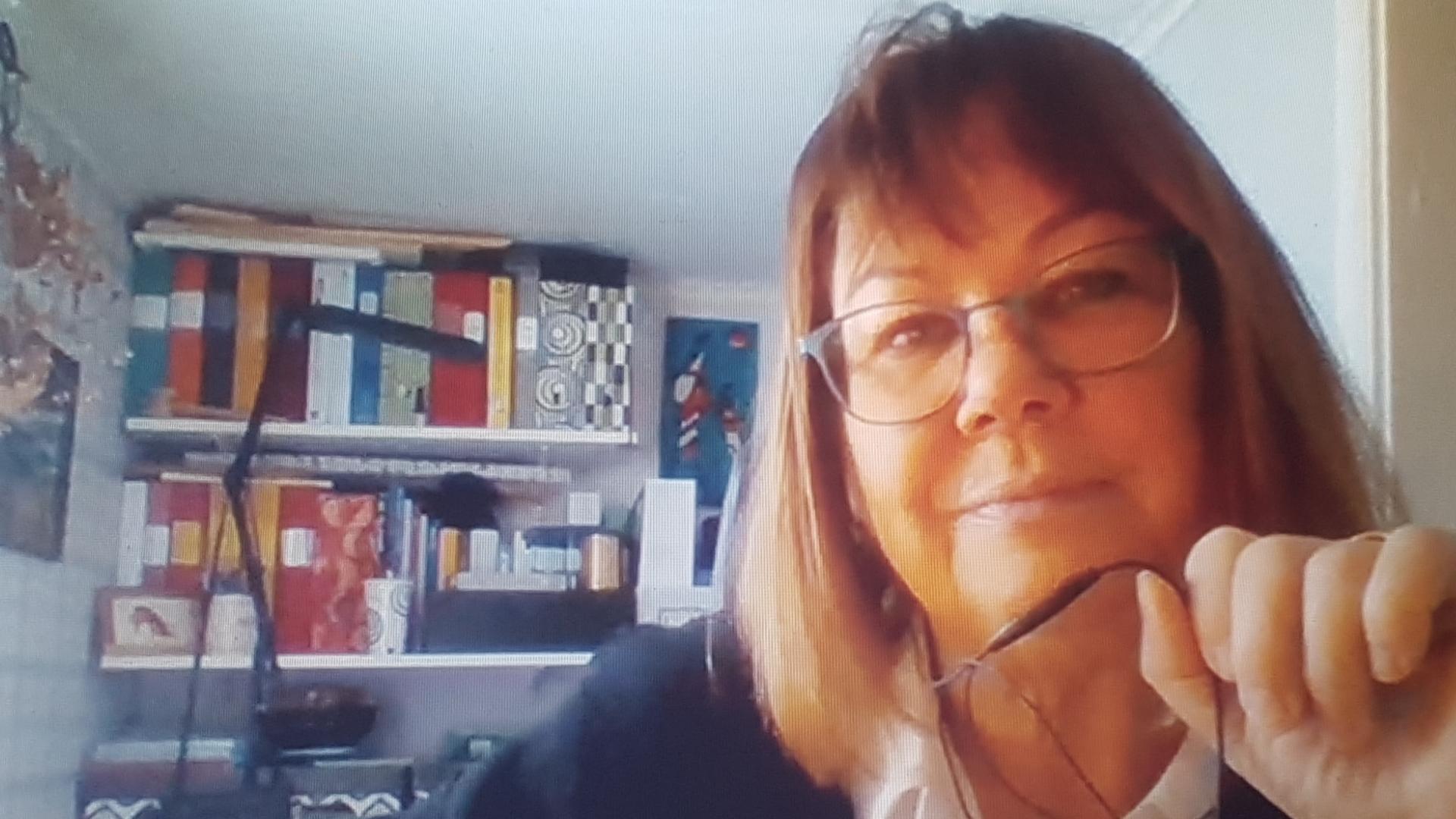 Pia Käcker under intervju.